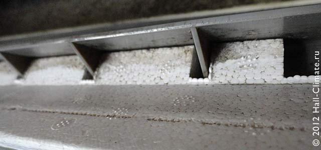Так выглядят дренажная ванночка и внутренняя стенка кондиционера после чистки.. Холл климат. Москва.